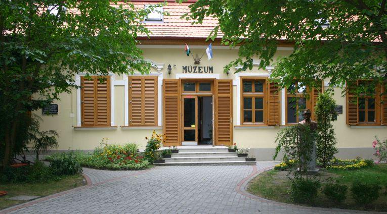 fonyod_muzeum.jpg